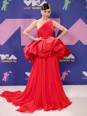 Фото №22 - MTV Video Music Awards 2020: лучшие и худшие наряды звезд на красной дорожке