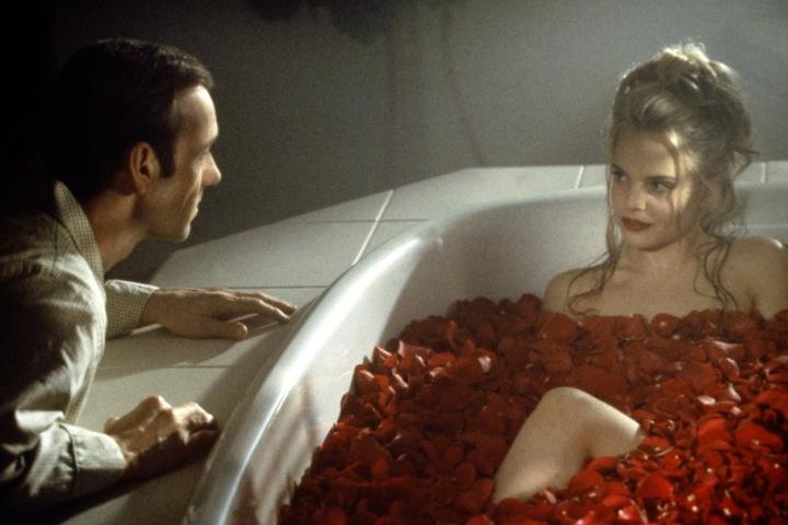 Фото №2 - Единственные три части тела, которые нужно мыть каждый день, по мнению ученых