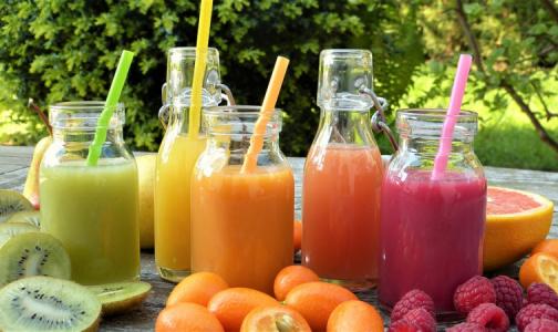 Фото №1 - Эксперт: Смузи и травяные добавки не помогут вывести токсины из организма
