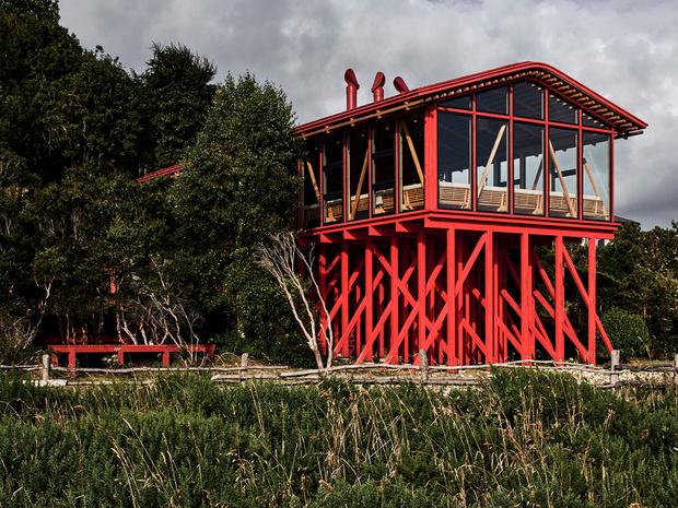 Фото №1 - Красный дом для барбекю в Чили