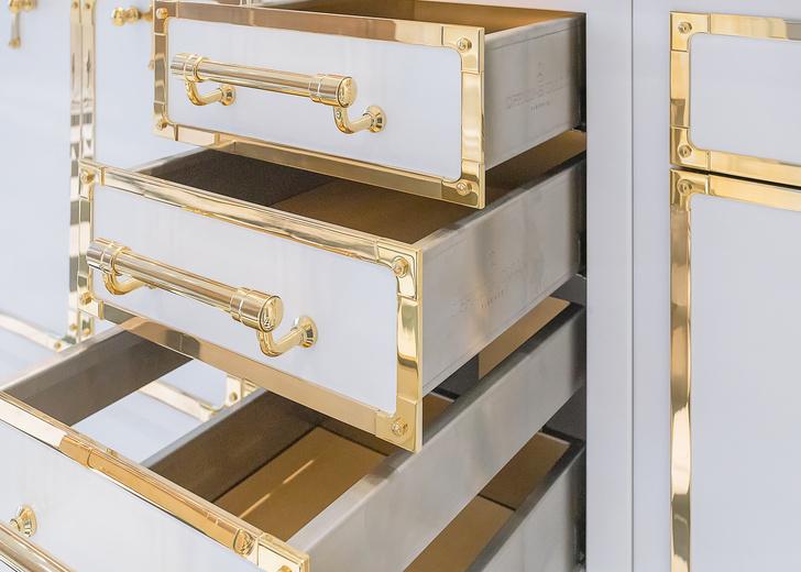 Фото №3 - Белое золото: новая кухня Officine Gullo