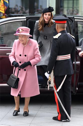 Фото №5 - Что сделала Кэтрин Кембриджская, чтобы угодить Королеве на их совместном мероприятии