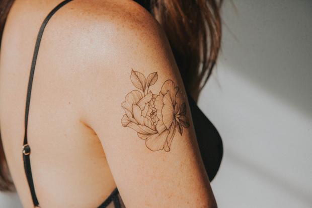 Фото №9 - Крупным планом: переводные татуировки от звездного мастера Саши Масюк