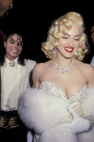 Фото №11 - Королева скандала: самые запоминающиеся образы Мадонны