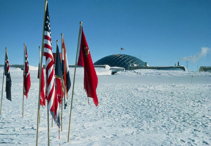 Фото №9 - В диких условиях: история полярных станций Антарктиды