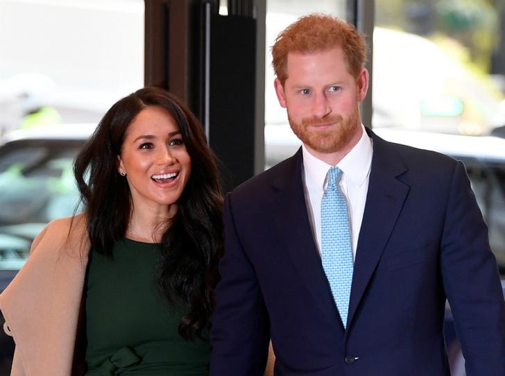 Фото №1 - Королевский фотограф назвал три лучших снимка Гарри и Меган за 2019 год