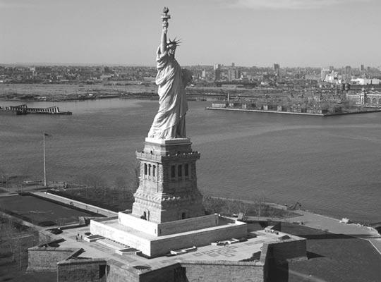 Фото №1 - Большой оригинал: история статуи Свободы