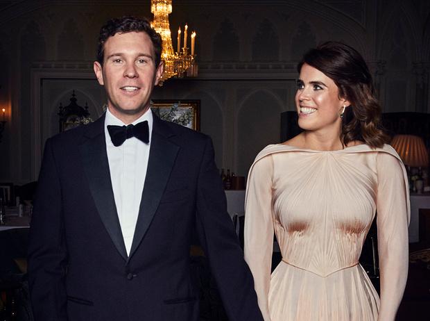 Фото №1 - «Хитрое» второе свадебное платье принцессы Евгении