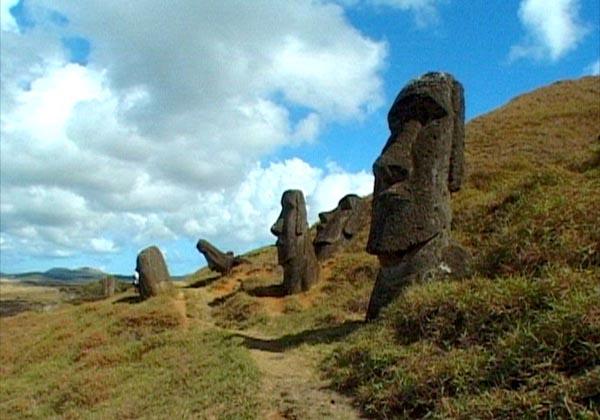 Фото №2 - Таинственные статуи треугольного острова