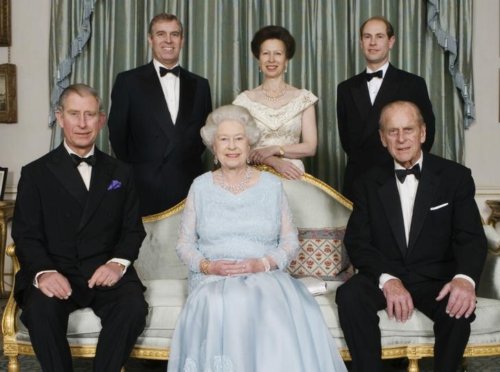 Фото №1 - С кем из детей у принца Филиппа сложились самые теплые отношения