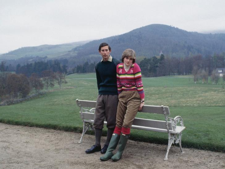 Фото №4 - От Елизаветы II до герцогини Кейт: любимые обувные бренды королевские особ
