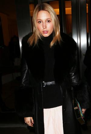 Фото №11 - Королевский стиль: греческая принцесса затмила всех на неделе моды в Нью-Йорке