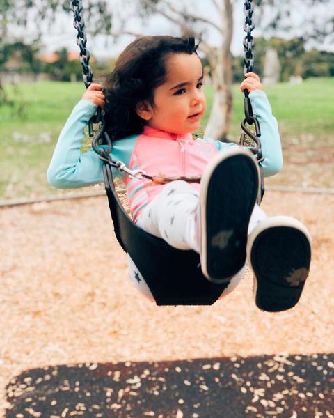 Фото №2 - Маму заклевали за то, что ее дочь в 4 года носит подгузник