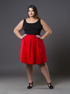 Фото №3 - Как одеваться девушке с полными икрами: 5 простых лайфхаков