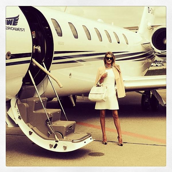 Фото №20 - Звездный Instagram: Знаменитости и самолеты