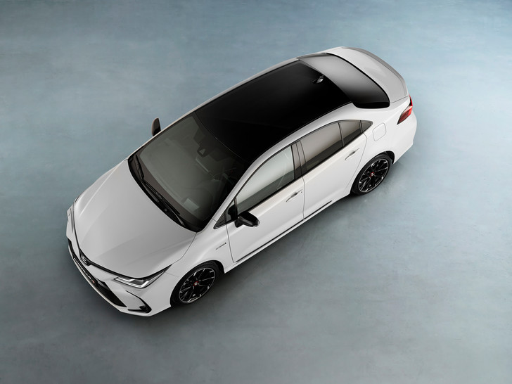 Фото №2 - Toyota привезла в Россию спортивный бренд