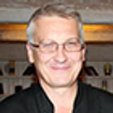 шеф-повар ресторана дикой кухни «Шотландская клетка» Юрий Ламонов