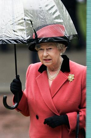 Фото №16 - Виндзорские зонтики: королевский способ спрятаться от дождя