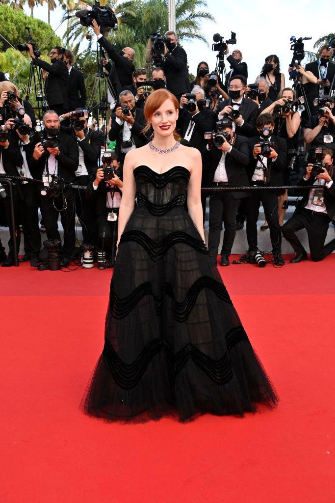 Фото №1 - Великая красота: Джессика Честейн в кутюрном платье Dior