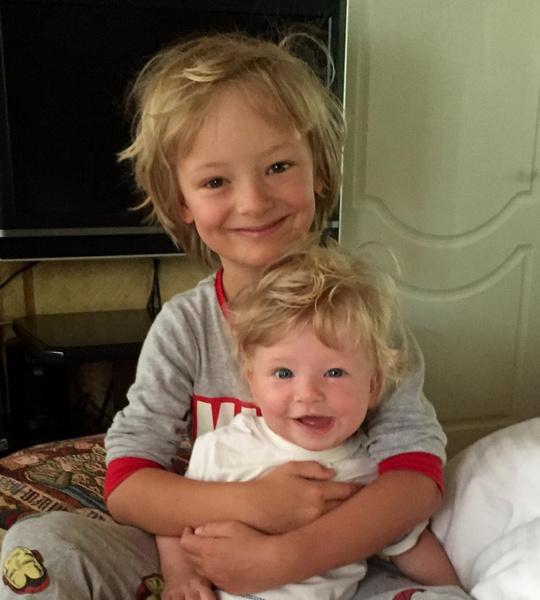 Младшие сыновья Саша и Ваня
