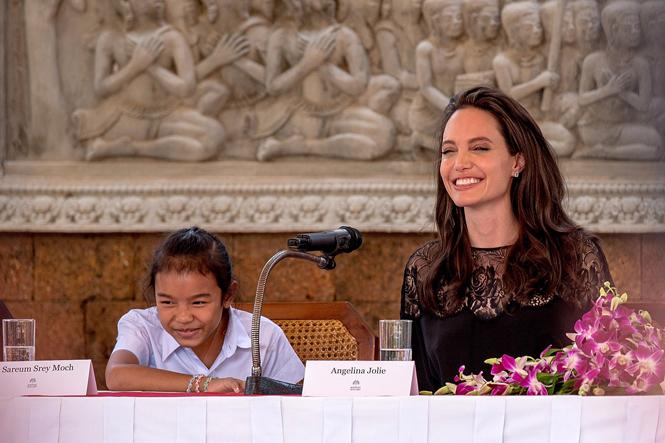 Фото №12 - Анджелина Джоли начинает удивлять
