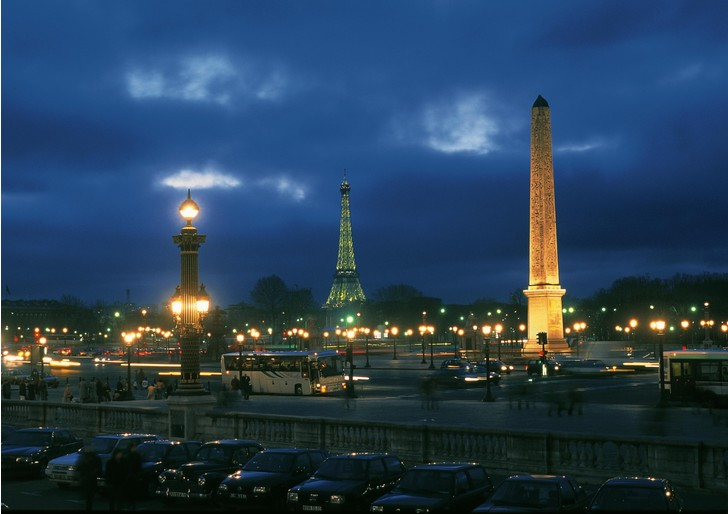 Фото №1 - Центр Парижа освободят от туристических автобусов