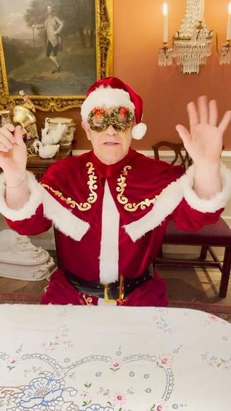 Фото №2 - Принц Гарри и Меган Маркл выпустили праздничный подкаст