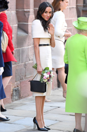 Фото №2 - Почему герцогиня Меган внезапно увлеклась розовым и бежевым