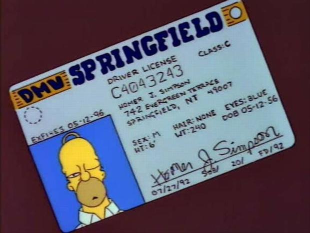 Фото №1 - Ну и старичок: фанаты выяснили, сколько на самом деле лет Гомеру Симпсону