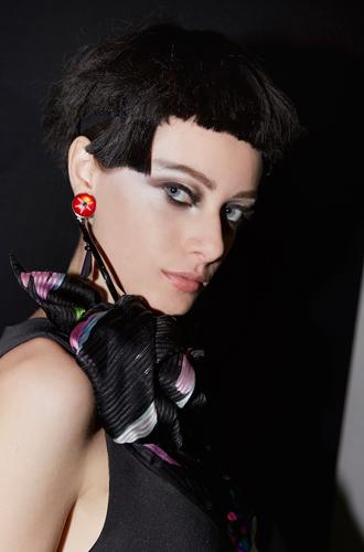 Фото №2 - Black&White: как повторить макияж с показа Giorgio Armani SS18 в Милане
