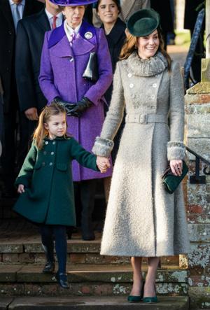Фото №3 - Мамина дочка: общая модная привычка Кейт и Шарлотты Кембриджских