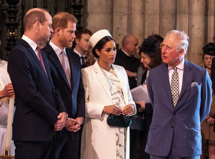 Фото №2 - Новые подробности: за что Уильям «выселил» Меган и Гарри из Кенсингтонского дворца