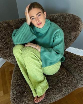 Фото №28 - Как носить ярко-зеленый цвет— самый модный в этом сезоне