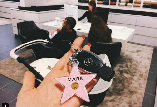 Фото №2 - Снова на колесах: Водонаева купила Mercedes