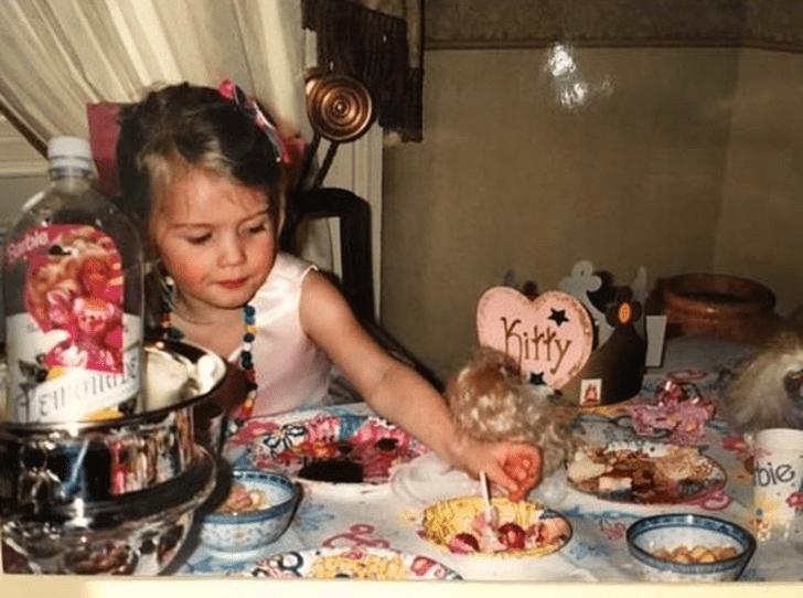 Фото №2 - Одно лицо: в Сети обсуждают сходство принцессы Шарлотты с Китти Спенсер