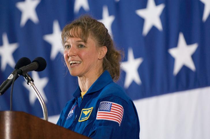 Фото №4 - Из космоса в тюрьму: как астронавтка победила силу притяжения, но не свою ревность, и пошла на убийство соперницы