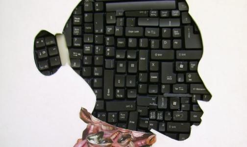 "Фото №1 - Петербургский психотерапевт объяснила, зачем нам ""лайки"" и дружба онлайн"