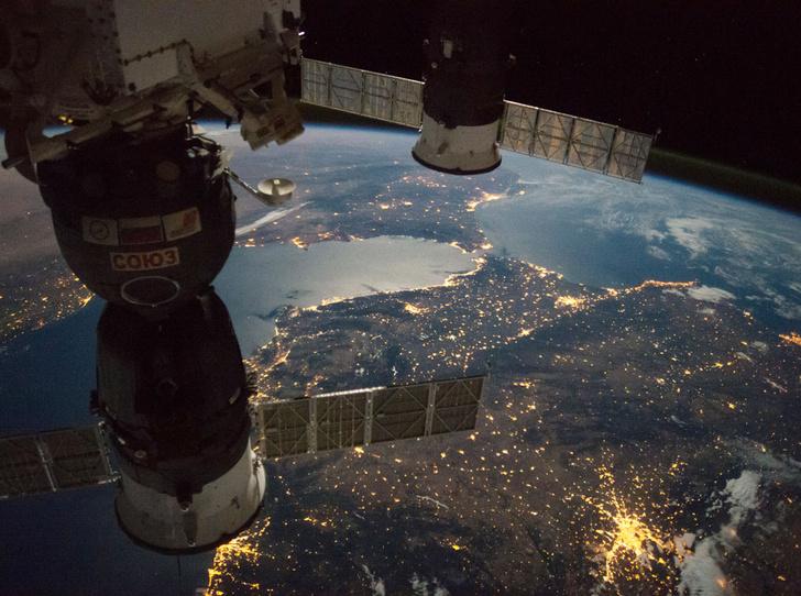 Фото №4 - Елена Серова: «Однажды я позвонила дочери из космоса во время урока»