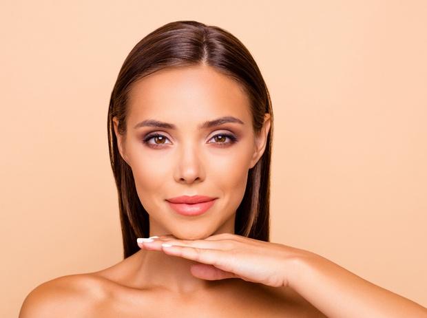 Фото №3 - 5 веских причин срочно записаться к косметологу
