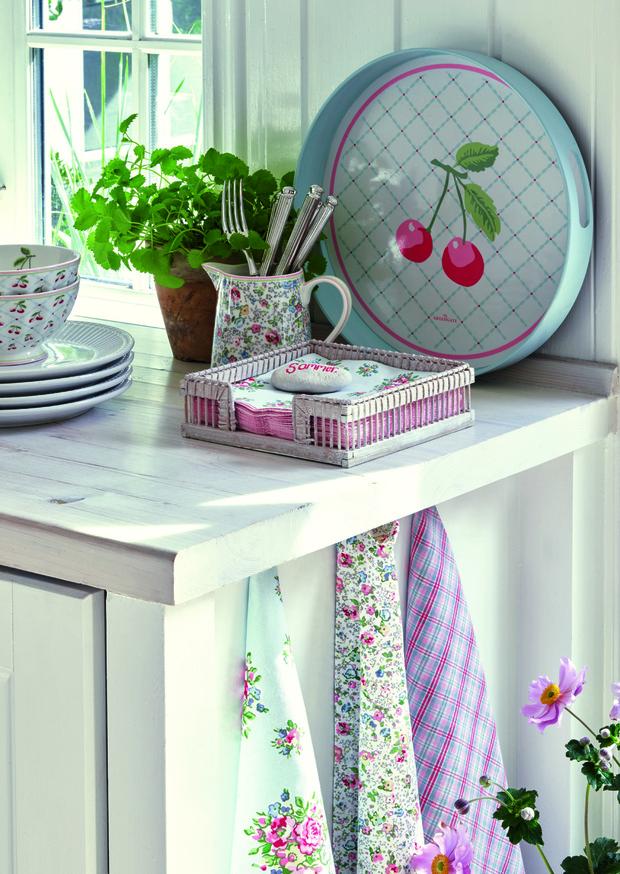 Фото №2 - Модные фартуки и текстиль для кухни