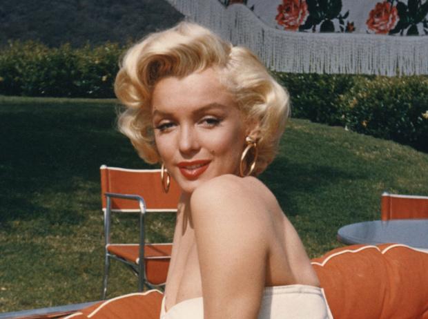 Фото №7 - Драгоценности Мэрилин Монро: что кинодива носила в жизни и на экране