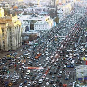 Фото №1 - Центр Москвы закроют для старых машин