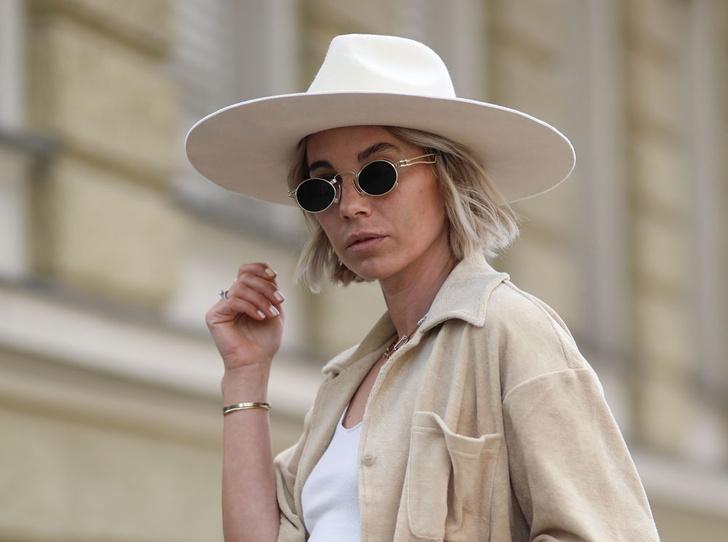Фото №1 - Шляпы, панамы и кепки: модные головные уборы для лета 2020
