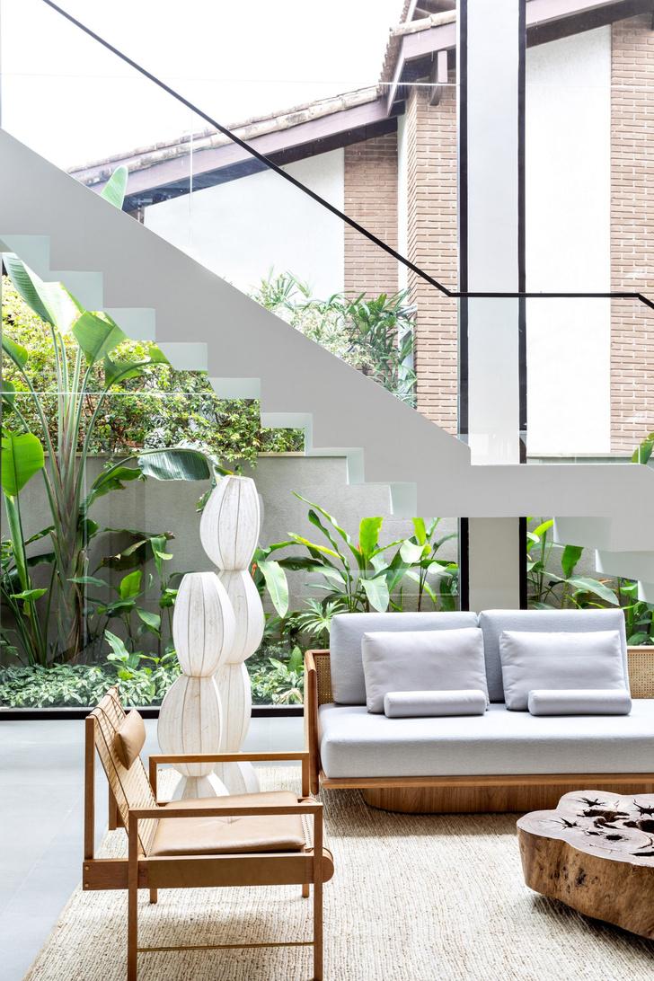 Фото №2 - Дом c панорамными окнами в Бразилии