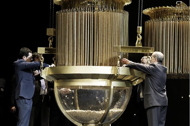 Фото №4 - Большая игра: зачем испанцы ежегодно покупают лотерейные билеты