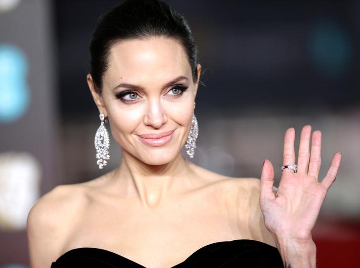 Фото №1 - Почему Анджелина Джоли — снова икона стиля, или Что такое luxe purism