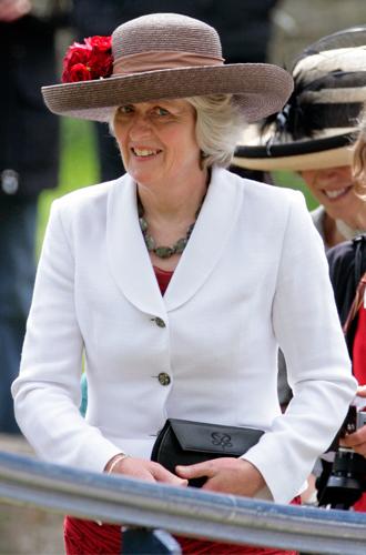 Фото №2 - Почему сестра Дианы познакомилась с малышом Арчи раньше принца Чарльза