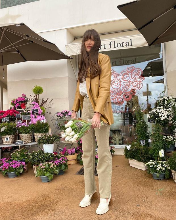Фото №2 - Где найти цветной кожаный жакет, как у француженки Жюли Феррери?