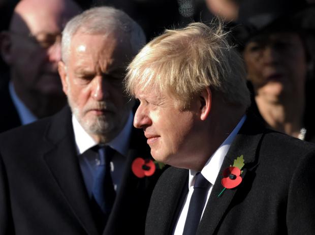 Фото №1 - «Безобразное поведение»: Борис Джонсон нарушил этикет в День памяти