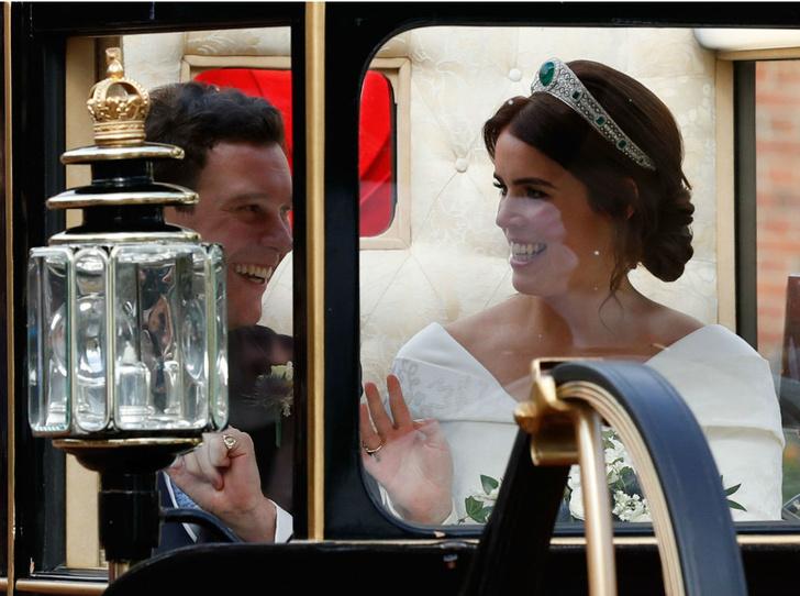 Фото №4 - Тонкий намек: почему поклонники БКС уверены, что принцесса Евгения беременна